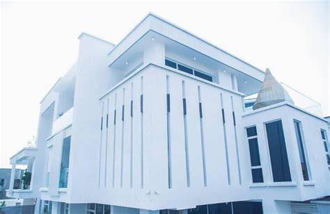 timaya s magnificient mansion in lagos issa goal