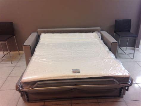 aerre divani aerre salotti divano cuciture scontato 43