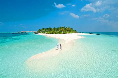 five most amazing colorful beaches of the world the 20 most romantic places in the world most beautiful
