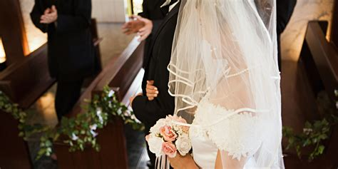 wedding ceremony songs to make your aisle walk unique
