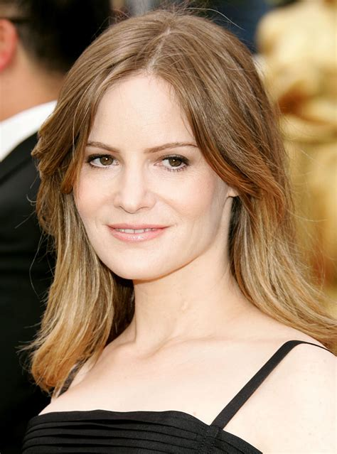 jennifer jason leigh new show jennifer jason leigh revenge abc wiki fandom powered