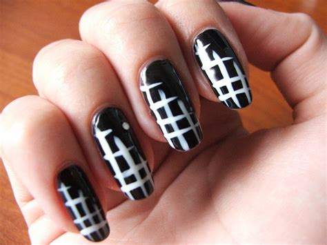easy nail art pictorial simple dark nail art ideas