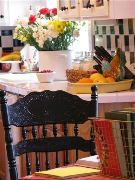 Vintage Decorating Ideas For Kitchens Colorful Cottage Decorating Ideas In Red Yellow Blue Black