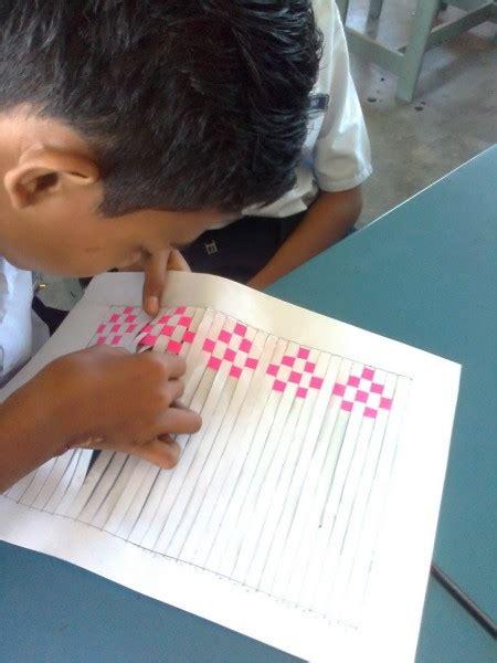cara membuat kerajinan tangan anyaman bambu cara mudah membuat anyaman kertas dengan berbagai motif