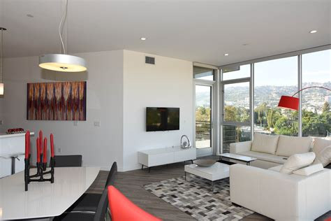 Appartments In La by Nms Properties Hosts Carpet Green Dress Winners In Los