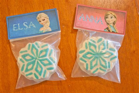 Frozen Party Giveaways - where can i buy disney frozen ice castle cake topper party invitations ideas
