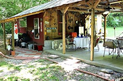 Dewena's Window: From Chicken Shed to Picnic Shelter