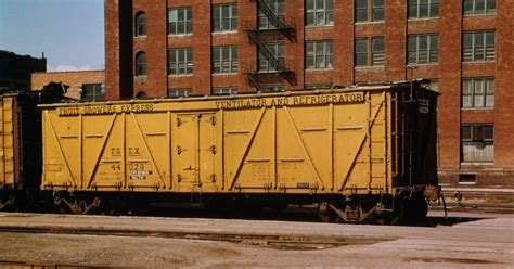 a p fruit growers modeling the sp a fruit growers refrigerator car
