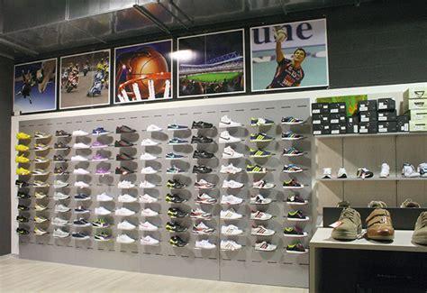 arredo negozi catania arredo negozi calzature progettazione negozi catania