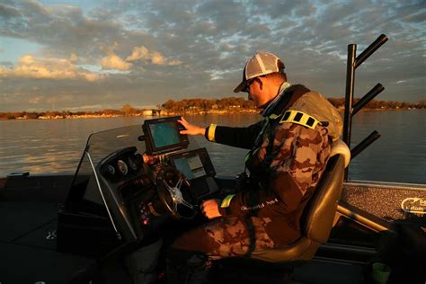 How To Search Sensitive In Guide Tip How To Adjust Sonar Sensitivity To Find And Catch More Fish Outdoorhub