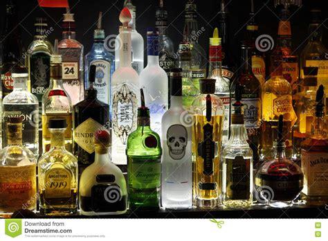 le flaschen flessen redactionele stock afbeelding afbeelding