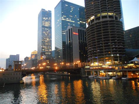 best chicago downtown 25 best hd downtown chicago wallpapers