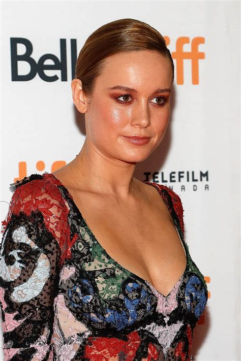 Brie Larson Casey Affleck by Free Fire Tiff Movie Review Starring Brie Larson Lainey