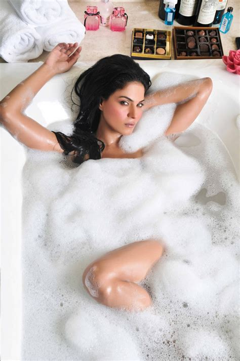 sexy in bathtub veena malik hot photos in bath tub