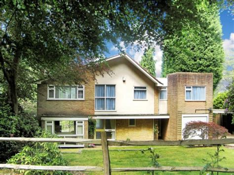 that 70s home on the market 1970s four bedroomed detached house in