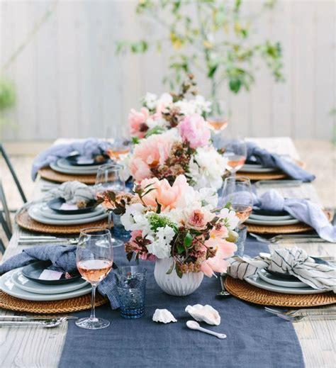 stunning round table setting stunning summer table setting ideas