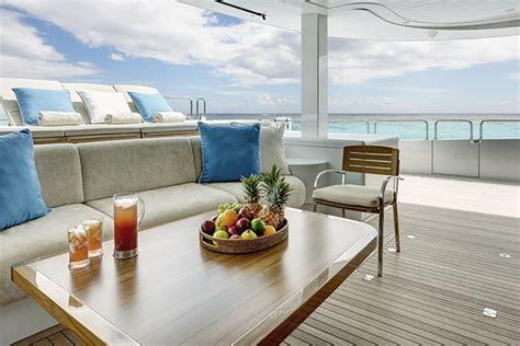catamaran quintessential luxusn 205 katamar 193 n quintessential luxus praha