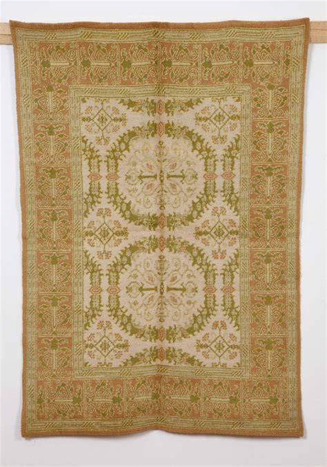 renaissance rug cuenca rug with renaissance wreath pattern for sale at 1stdibs