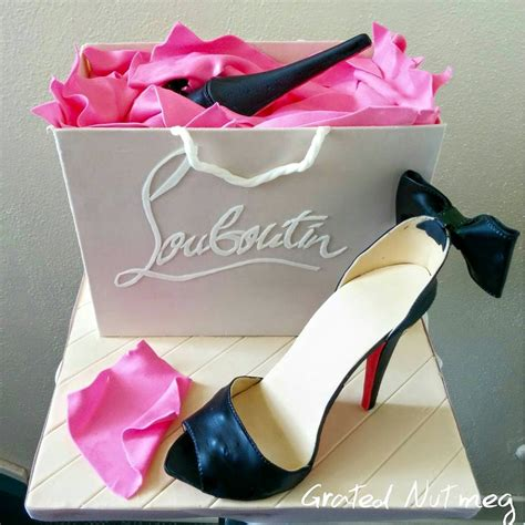 this is a tutorial on how to make a shoe out of fondant