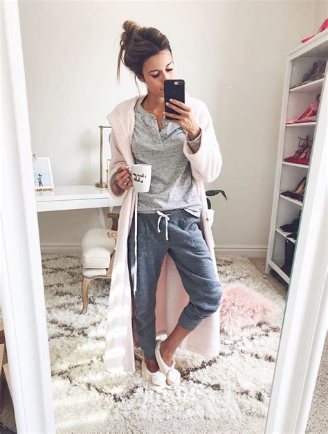 Lazy Style Casual Top 25725 hellofashionblog my favorite comfy pieces hello fashion