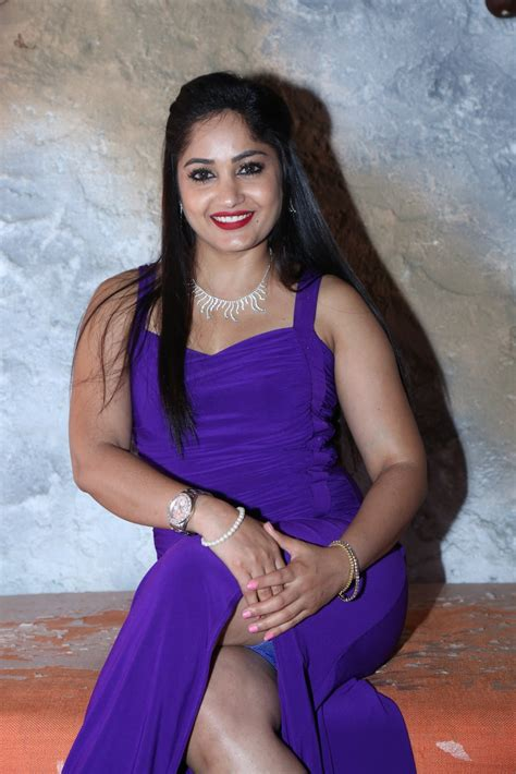 actress madhavi recent photos hq pics n galleries madhavi latha latest photo gallery
