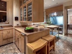 inside howard marks record breaking 52 5m manhattan apartment daily mail online