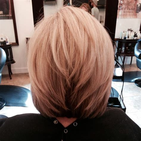 medium length stacked bob hairstyles stacked medium hair cuts newhairstylesformen2014 com