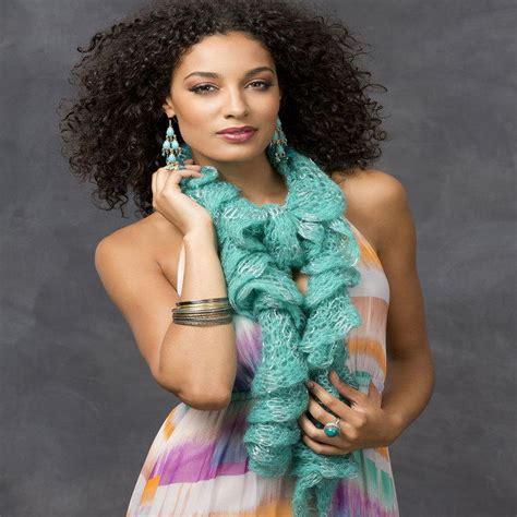 simple ruffle scarf allfreecrochet