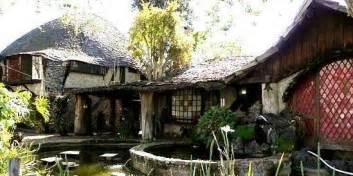 hobbit homes disney artist built a hobbit s house in la and it s