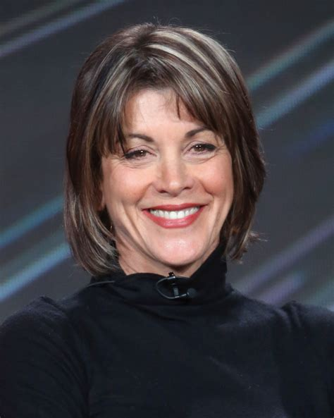 wendy malicks new shag haircut wendie malick new haircut 2014 wendy malicks new haircut