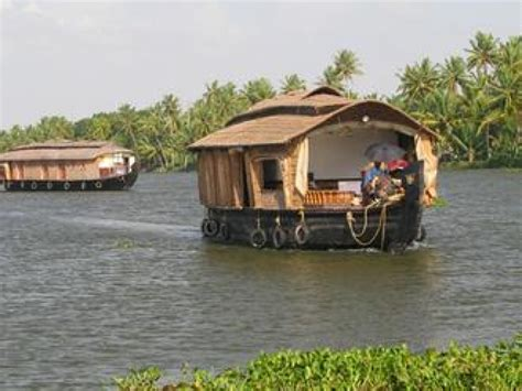 kerala boat house stay kumarakom houseboat overnight stay