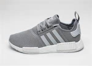 Adidas Nmd R1 Primeknit Japan Aumentar Charcoal Gris Blanco Zapatos P 649 by Adidas Originals Nmd