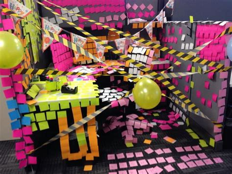 Birthday Decoration Ideas For Office Cubicles by 20 Creative Diy Cubicle Decorating Ideas Hative