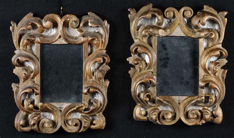 piccole in legno coppia di piccole cornici in legno intagliato e dorato