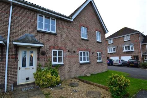 2 bedroom house to rent in bournemouth 2 bedroom terraced house for sale in saffron way