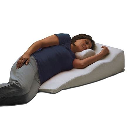 Reflux Sleeper by 25 Best Ideas About Bed Wedge Pillow On Reading Pillow Wedge Pillow And Knee Pillow