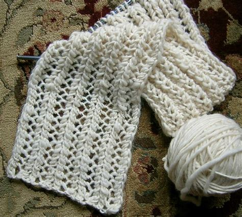 1000 ideas about easy scarf knitting patterns on