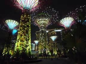 solar lights singapore file supertree grove gardens by the bay singapore