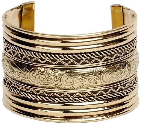 different types of bracelets to complete your look