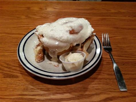 Machine Shed Cinnamon Rolls by Best Cinnamon Roll In America Picture Of Iowa Machine