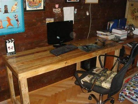 Diy Table Desk by Diy Pallet Computer Desk 99 Pallets