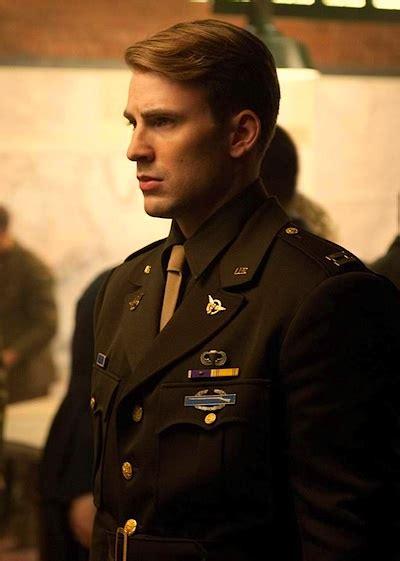 captain beautiful 가끔 봐주면 눈정화에 좋은 게통스팁의 군복차림 이이전 해외연예 갤러리