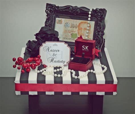 Tray Hantaran black white stripes w gift tray i hantaran ideas