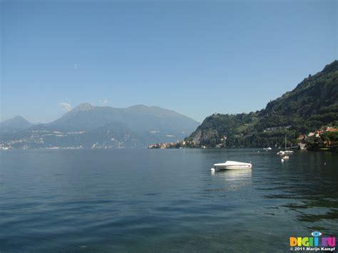 fast boat bellagio to como picture sx18947 hydrofoil fast boat on lake como