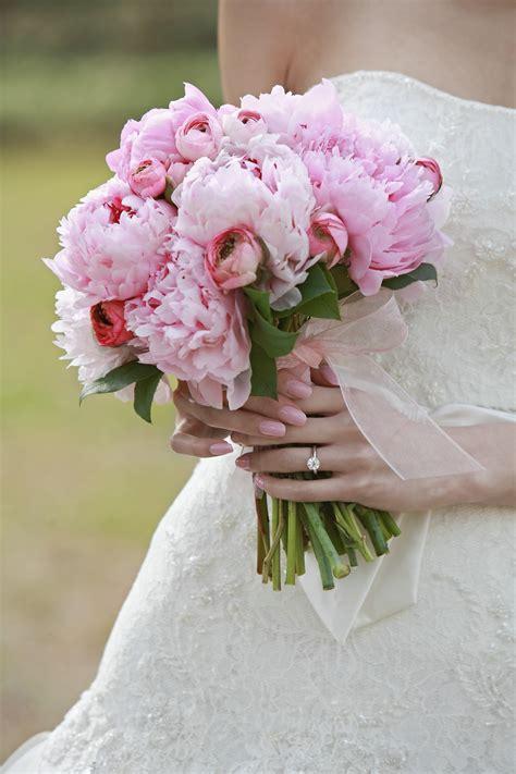 bouquet di fiori per sposa 20 idee per il bouquet della sposa con i fiori di co