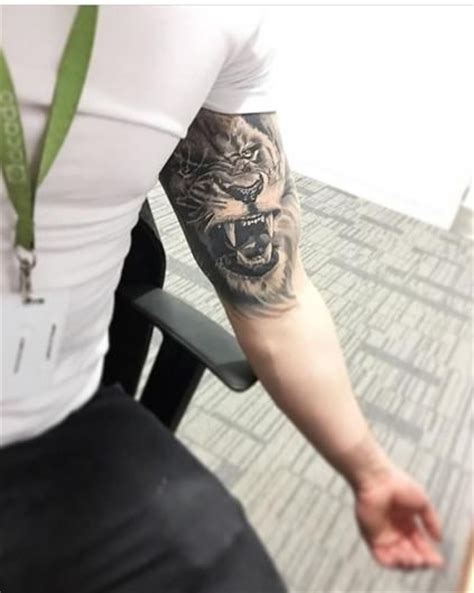 outer bicep tattoos best 25 inner bicep ideas on