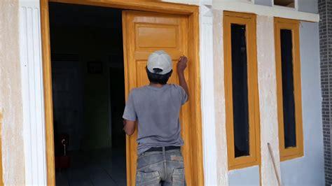 merubah warna pintu kusen    cat menjadi warna