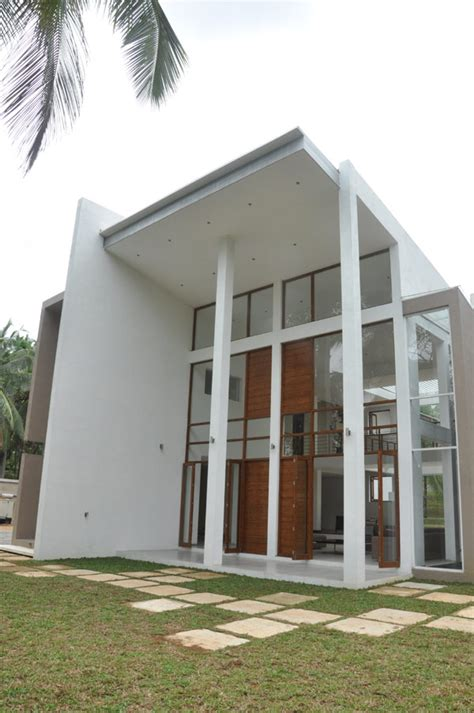 imposing modern architecture in sri lanka chamila