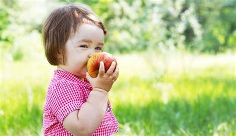 bluni tabelle baby macht blasen mit mund