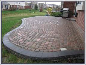 how to build a raised paver patio raised paver patio pictures patios home decorating